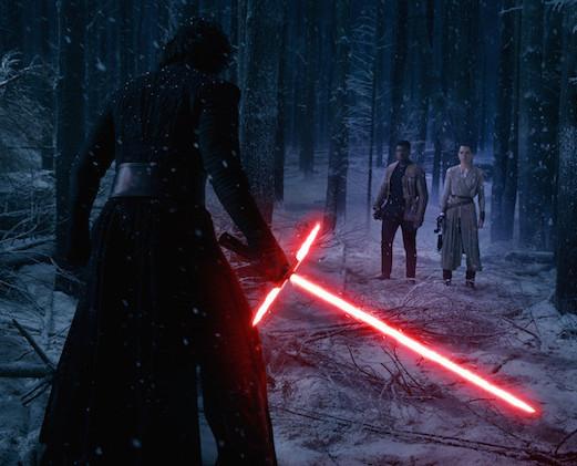 Mächtig: der Bösewicht mit seinem Lichtschwert. (WALT DISNEY)