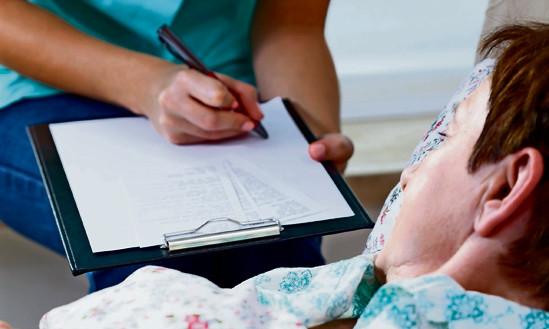 Ein Protokoll kann helfen, zu entscheiden, ob ein geistig behinderter Mensch urteilsfähig ist. Foto: iStock