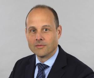 Alexander Huber ist Direktor der Klinik für Ohren-, Nasen-, Hals- und Gesichtschirurgie des Unispitals Zürich. Er war selbst auch schon an einem AC/DC-Konzert. Foto: Unispital Zürich