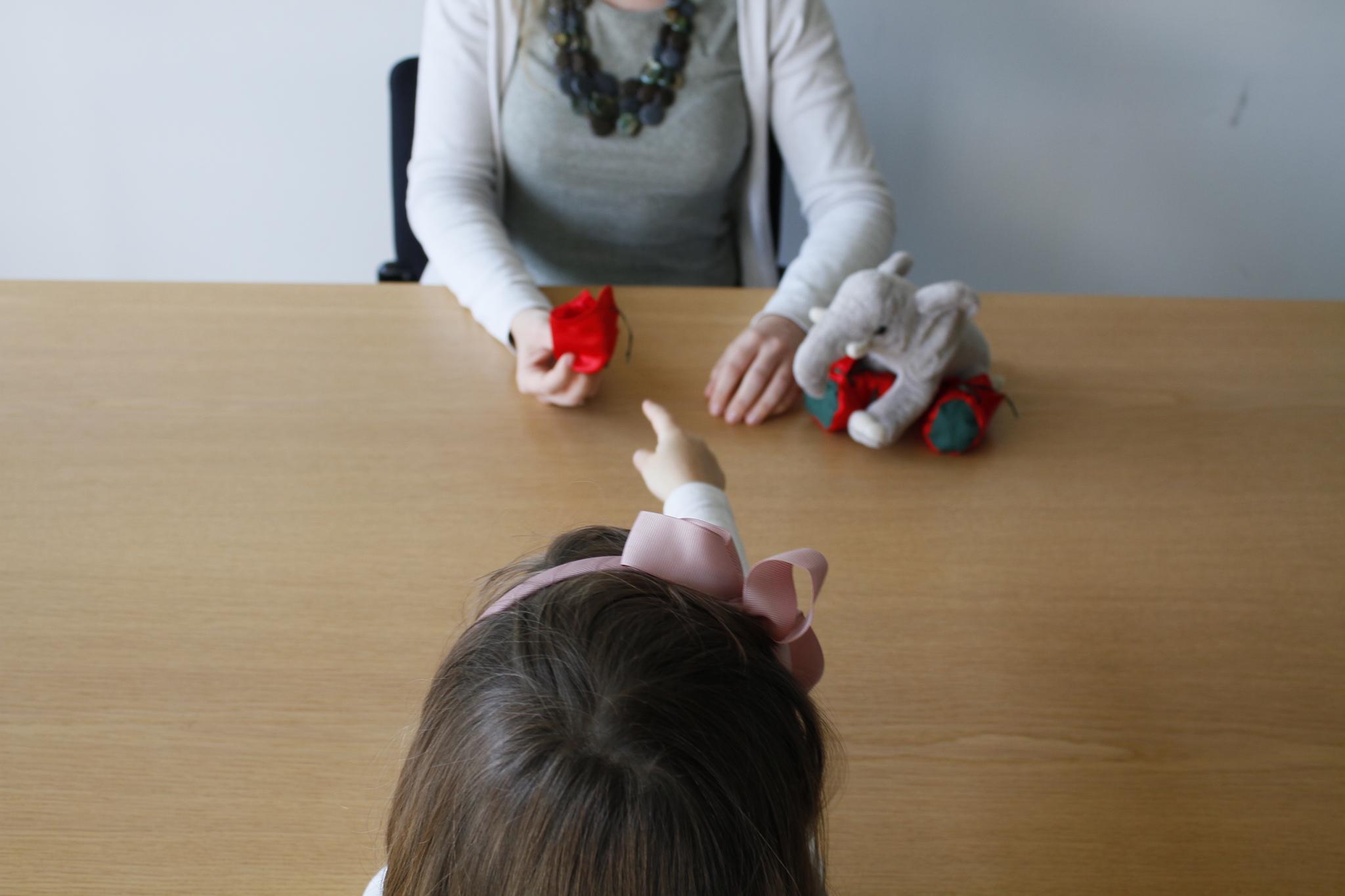 Zweisprachige Kinder klären Missverständnisse